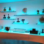 стеклянные полки на стену с подсветкой