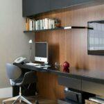 темная стенка с компьютерным столом