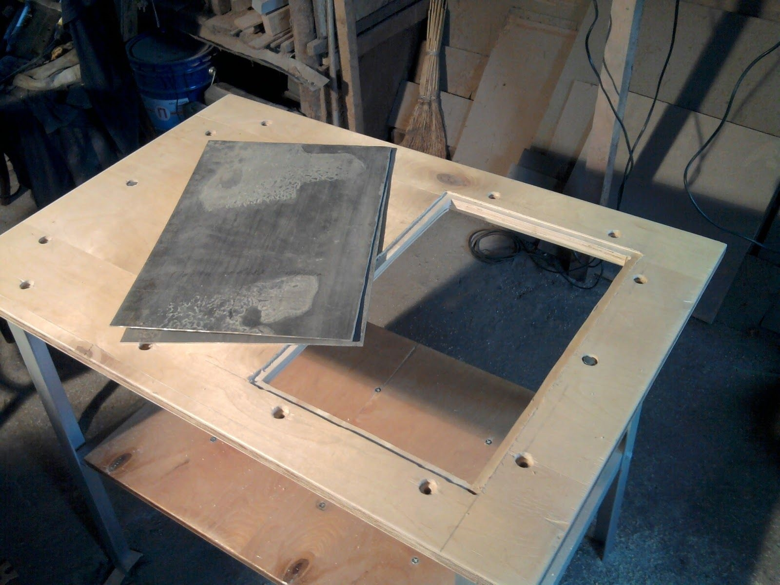 стол для дисковой пилы ручной