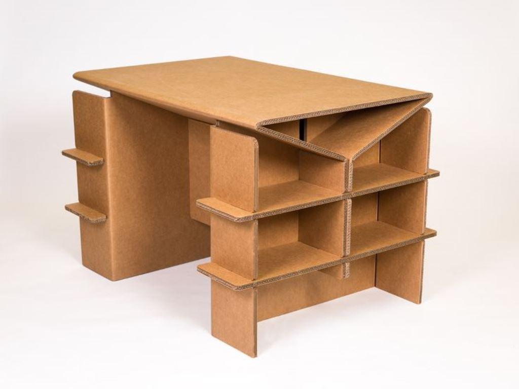 стол из картонных коробок