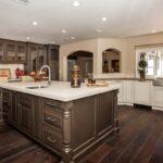 стол остров для кухни фото интерьера