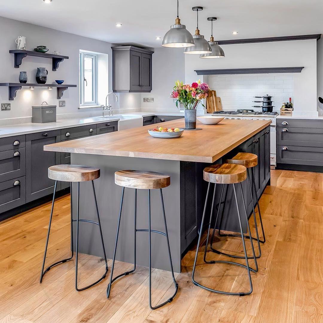 стол остров на кухне дизайн интерьера