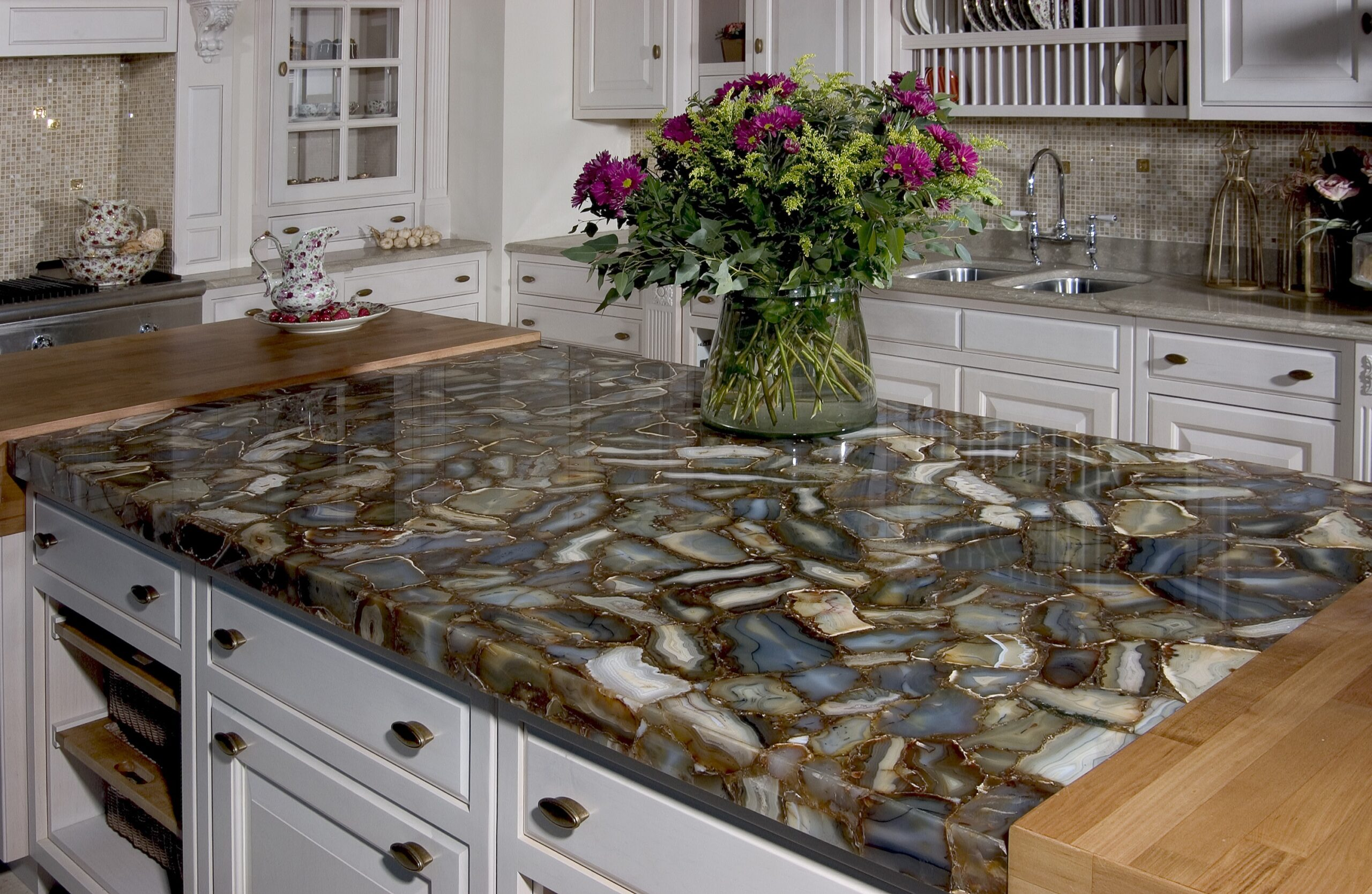 каменная столешница на кухню