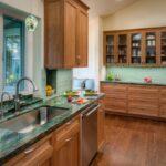 кухонная столешница зеленая