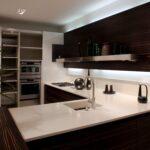кухонная столешница белая с коричневым