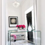 столик для макияжа с зеркалом фото