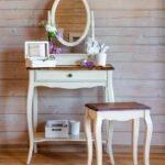 столик для макияжа с зеркалом фото видов