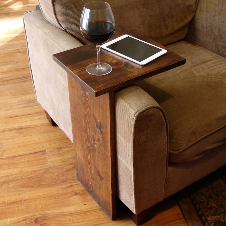 Приставной столик на подлокотник дивана