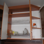 сушилка для посуды в шкафу гарнитура