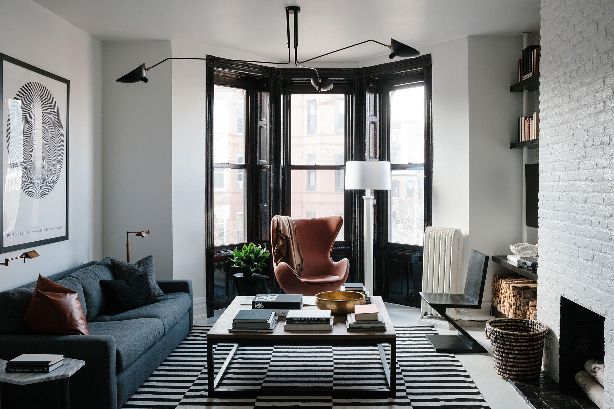 темная мебель в светлой комнате фото дизайн