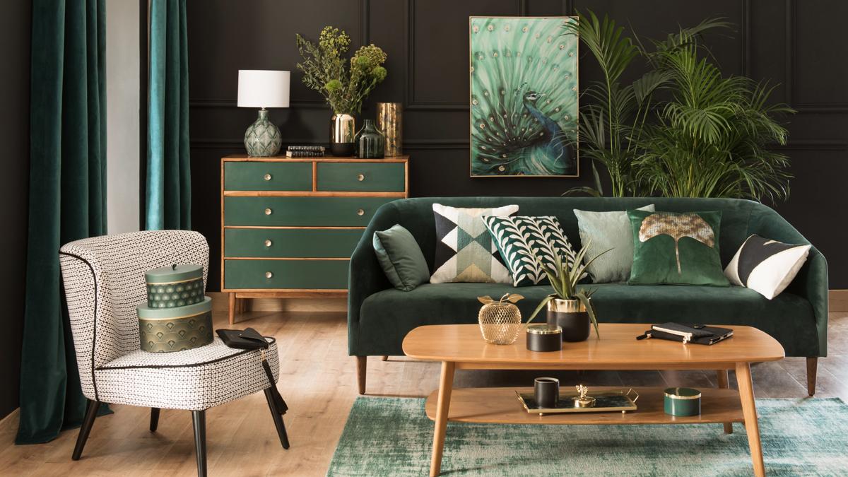 темно зеленый диван фото интерьера