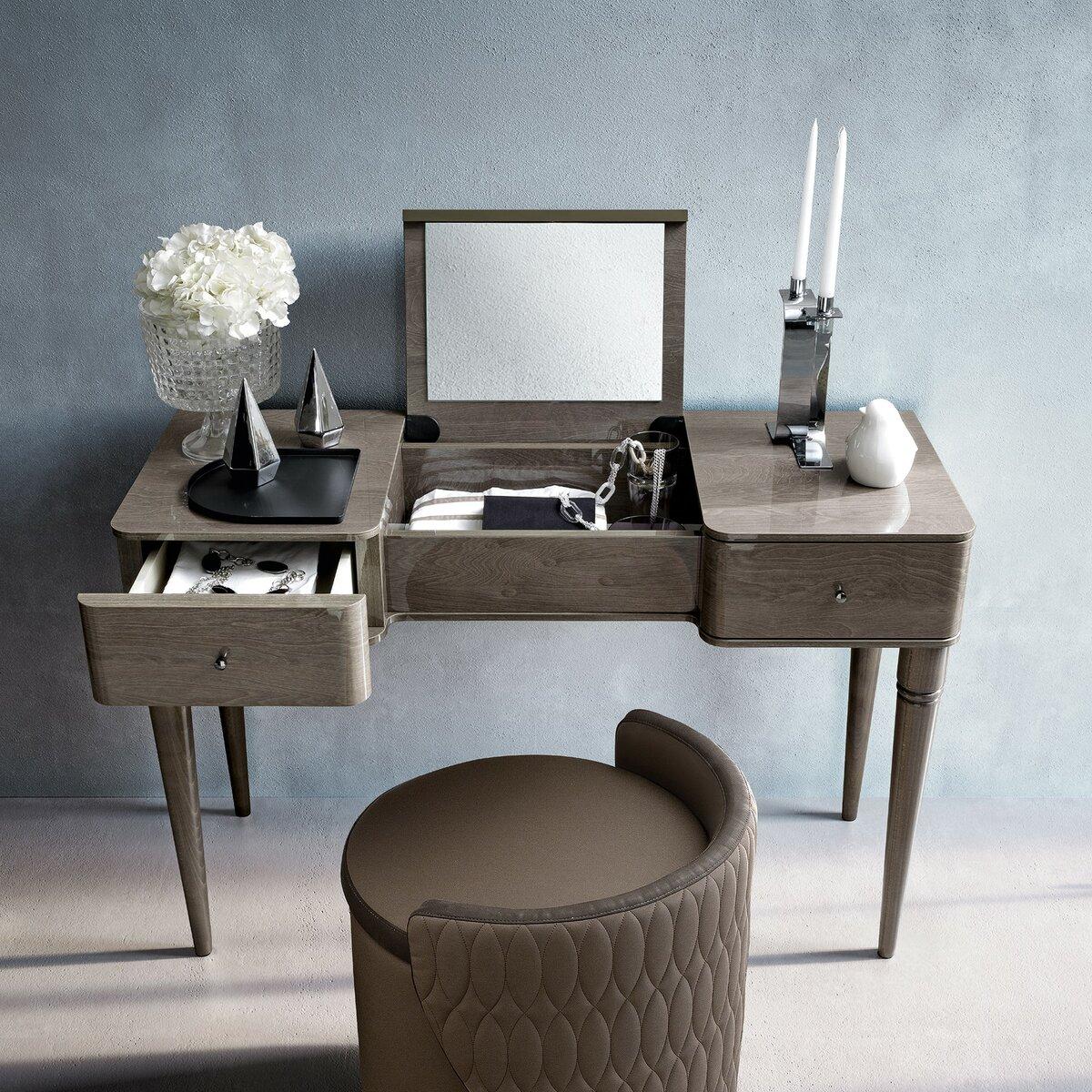 стол с откидным зеркалом