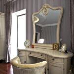 столик для макияжа с зеркалом фото вариантов