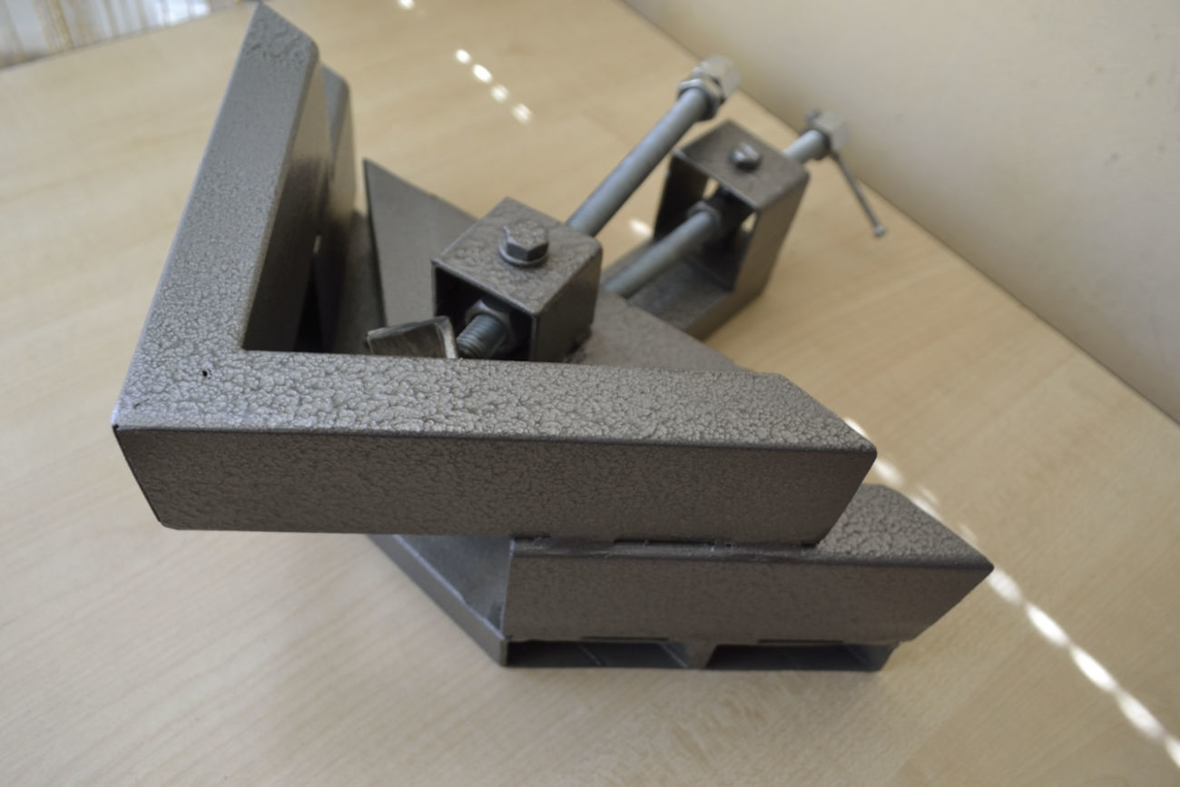 угловая струбцина для мебели дизайн фото