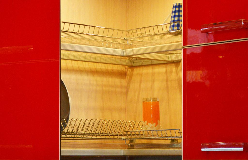 угловая сушилка для посуды дизайн