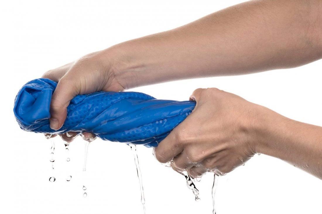 выкрутить белье вручную