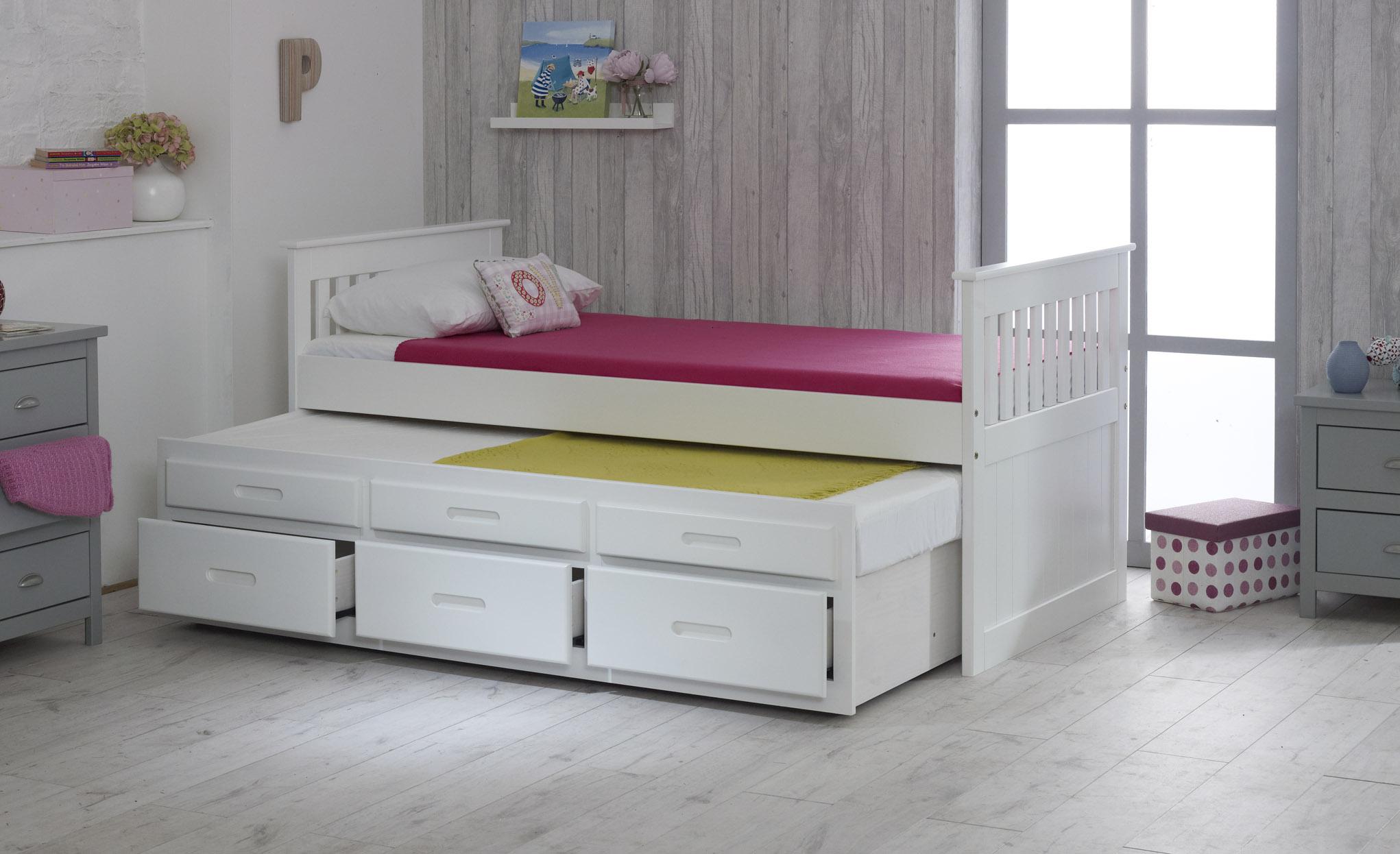 многоярусные кровати