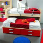 выдвижная кровать с красным шкафом