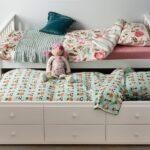 выдвижная кровать с игрушкой