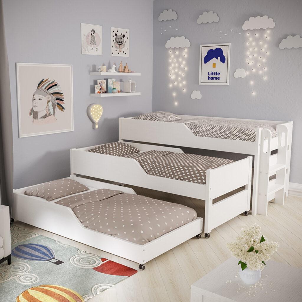 трехъярусная кровать для троих детей