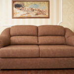 замшевый диван коричневый