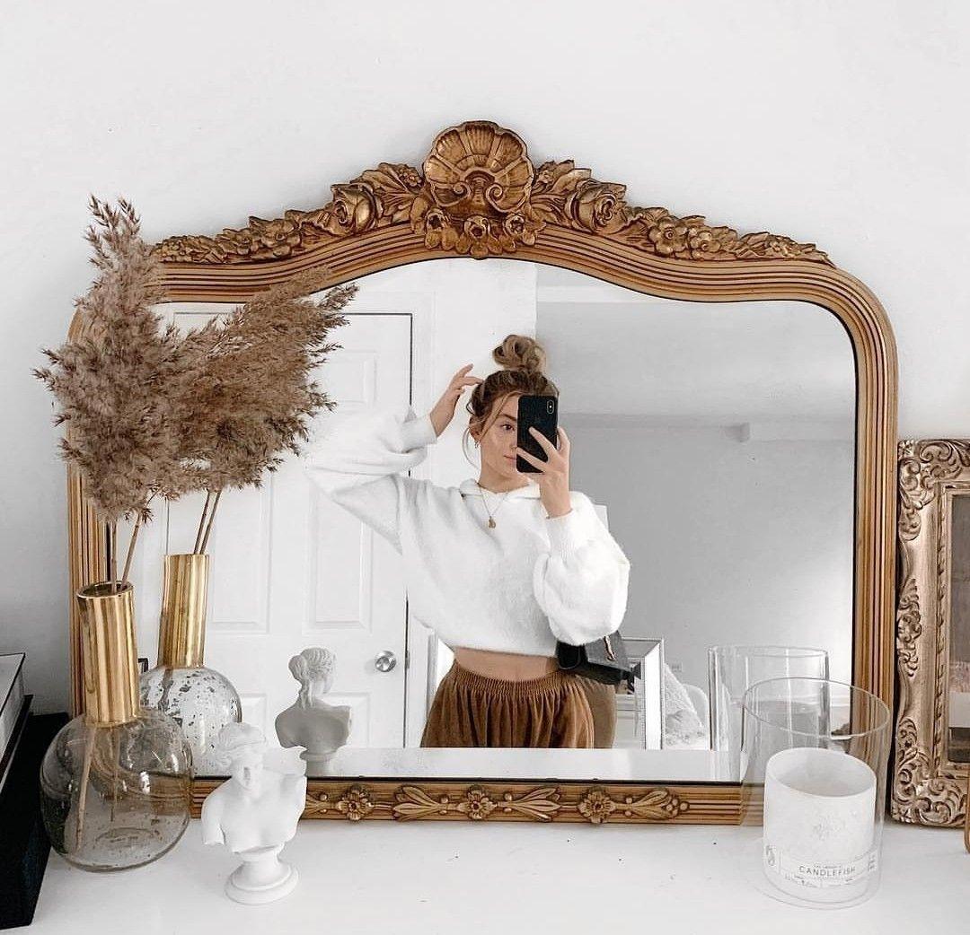 поверхность зеркала