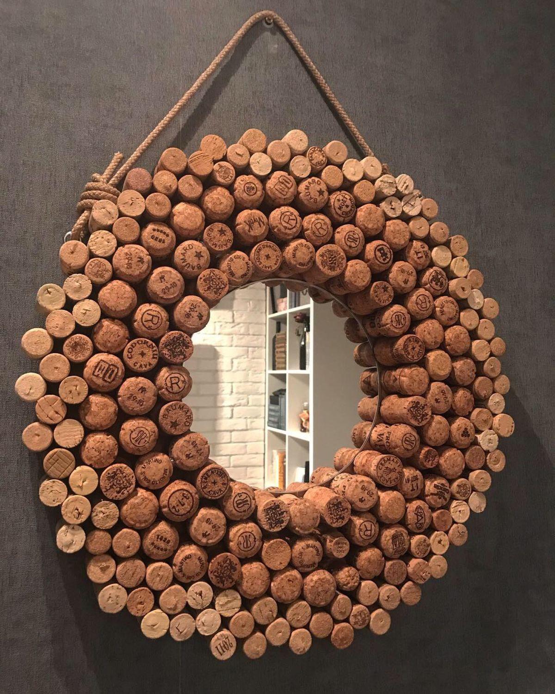 декор зеркала из пробок