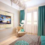 бирюзовые шторы для светлой гостиной