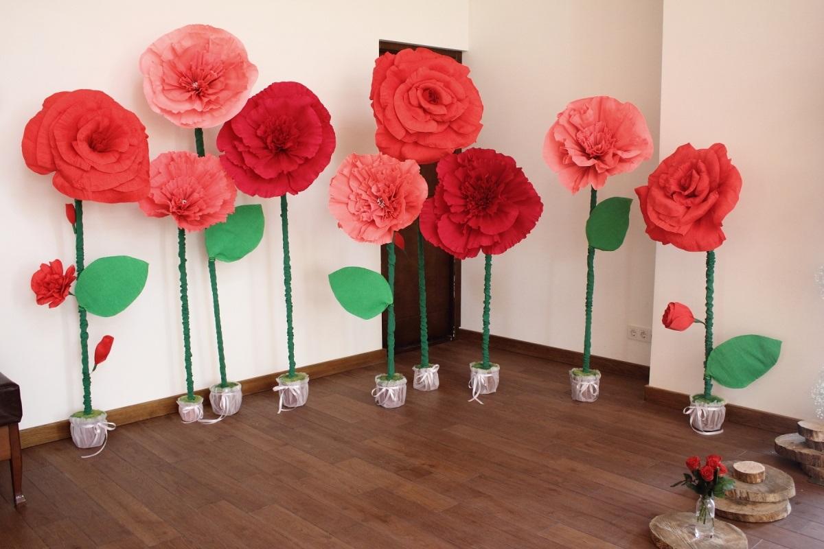 большие цветы из салфеток