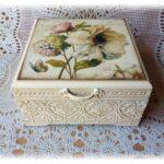декор коробки декупаж цветами