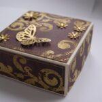декор коробки с бабочкой