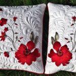 вышитая подушка красная