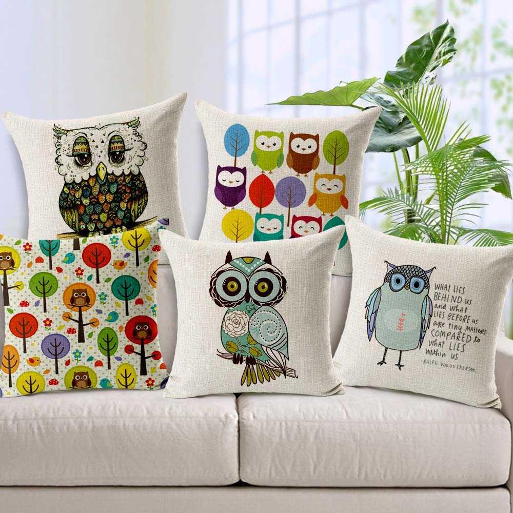 Подушки, вышитые декоративными
