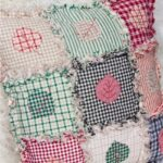 вышитая подушка квадраты