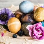 декупаж яйца яркий