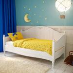 детская кровать в красивом интерьере
