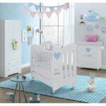 кровать в интерьере для новорожденного