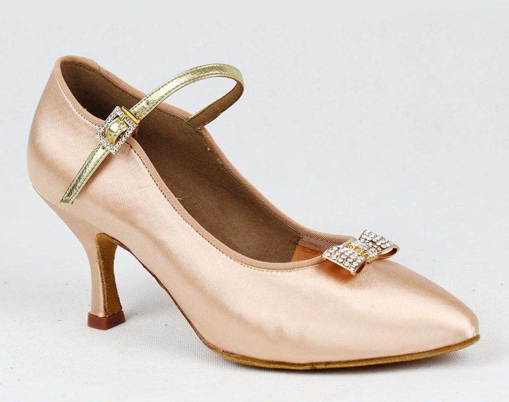 Текстильную обувь