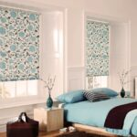 греческие шторы в спальне рулонные