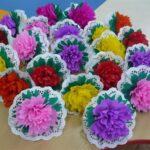 разноцветные гвоздики из салфеток