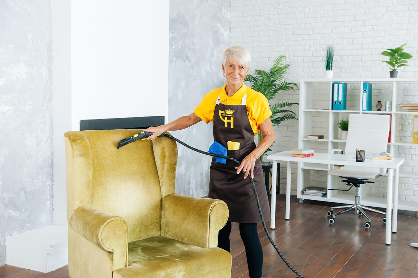 Частичная чистка дивана