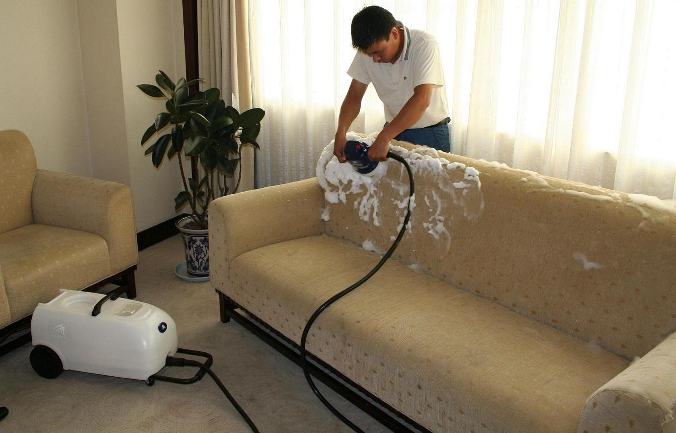 очистки мягкой мебели
