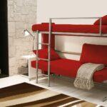красная двухъярусная кровать