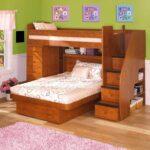 диван-кровать из натурального дерева