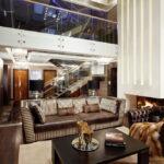 коричневый диван идеи декора