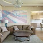коричневый диван фото интерьера