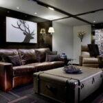 коричневый диван оформление идеи