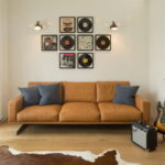 коричневый диван обзор