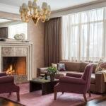 коричневый диван оформление фото