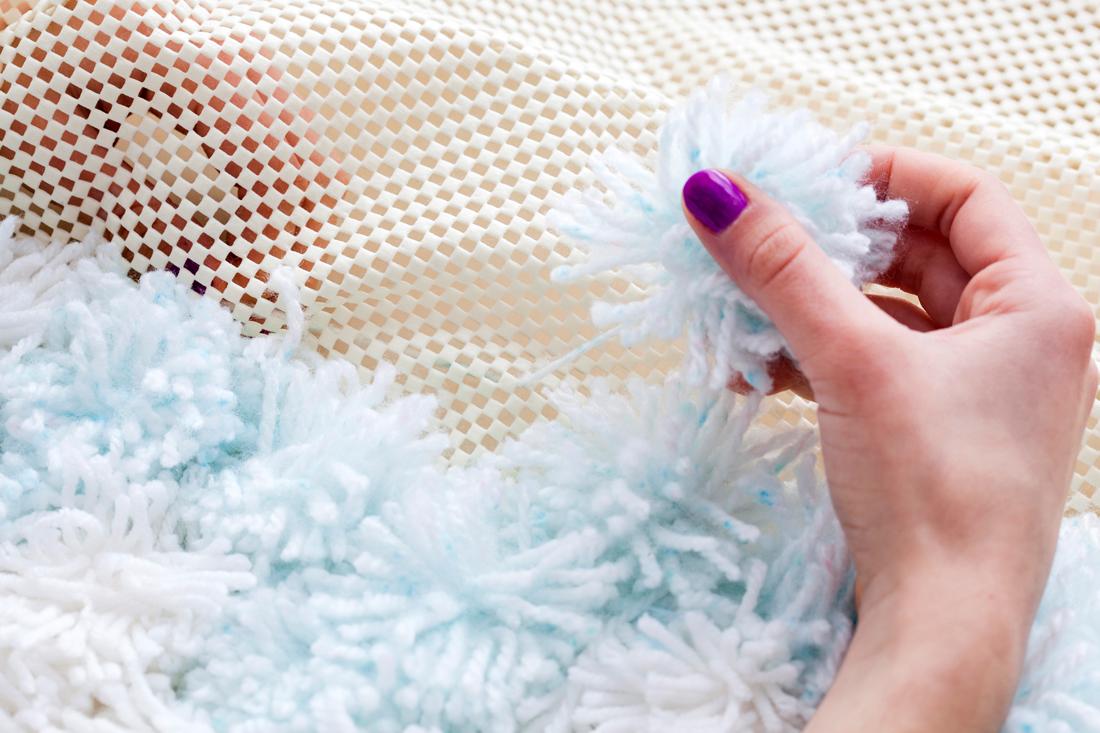 коврик из помпонов фото дизайн